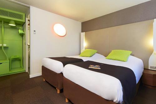 Campanile Villejust Za Courtaboeuf Hotel 2 Avenue Des 2 Lacs