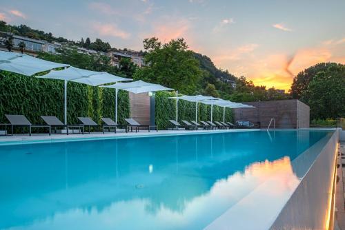 Via Borgo Vico 241, Lake Como, 22100, Italy.
