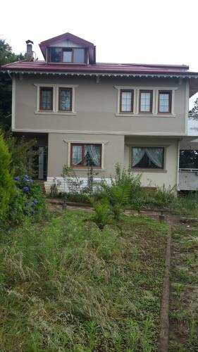 Trabzon Duplex Villa With Private Garden at Kavala District odalar