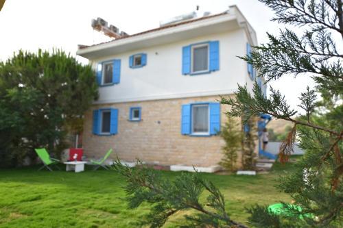 Bozcaada Garden Ada Hotel yol tarifi