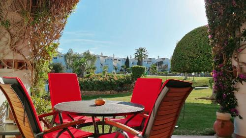 Calahonda Luxury Gardens room photos