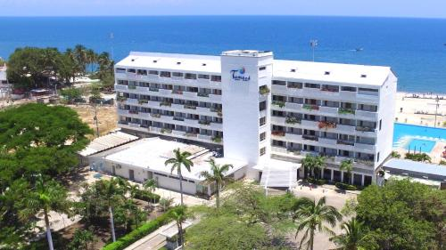 . Tamaca Beach Resort
