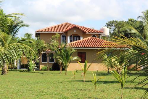 . Villa Mar a Lago