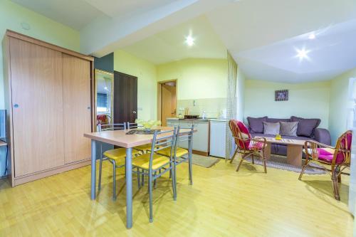 Apartments Magnolija - Photo 4 of 25