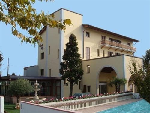 . Hotel Magnolia