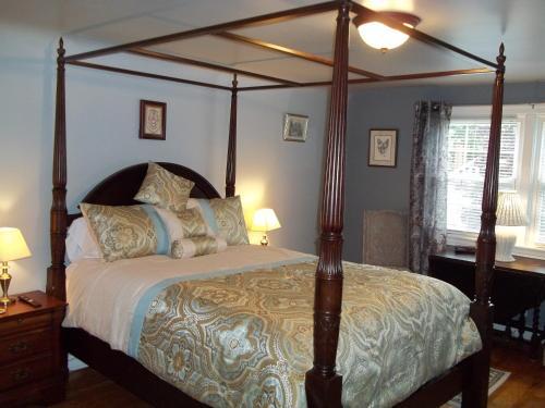 Abide Within Bed & Breakfast - Truro, NS B2N 2E8