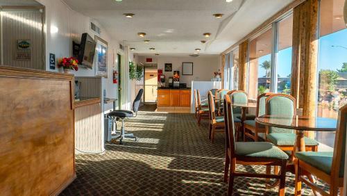 Sequoia Lodge - Visalia, CA CA 93277