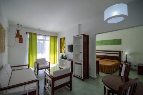 Gran Club Santa Lucia room photos