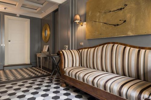 Piazzale Flaminio, 9, Villa Borghese Parioli, 00196 Rome, Italy.