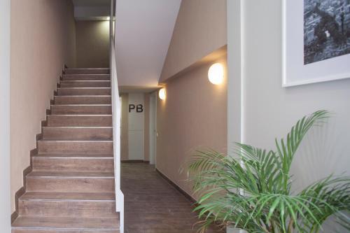 Stylish Modern Gracia Apartment 1B photo 10