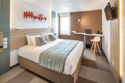 CARRÉ PAU AIRPORT HOTEL - Hotel - Serres-Castet