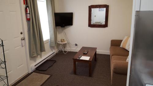 Creston Valley Motel - Accommodation - Creston