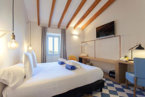 Standard Double Room - single occupancy Es Corte Vell - Adults Only 9