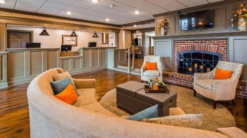 Best Western Plus Country Cupboard Inn - Lewisburg, PA 17837
