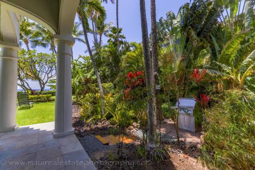 305 Lahaina Shores Oceanfront Studio - Lahaina, HI 96761