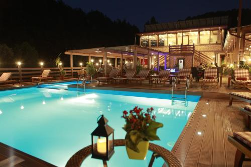 Фото отеля Best Western Plus Paradise Hotel Dilijan