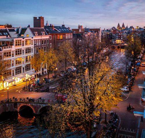 Keizersgracht 384  Amsterdam, 1016 GB, Netherlands.