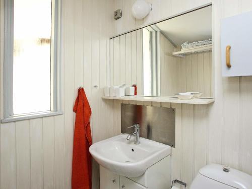 Three-Bedroom Holiday home in Ålbæk 7 in Ålbæk