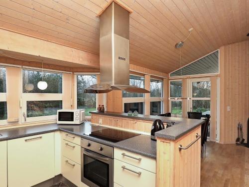 Three-Bedroom Holiday home in Ålbæk 6 in Ålbæk