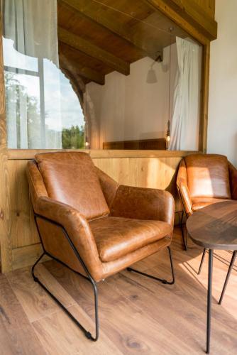 Suite Junior con vistas al jardín  Hotel Mas la Ferreria 12