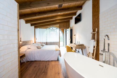 Deluxe Junior Suite Hotel Mas la Ferreria 3
