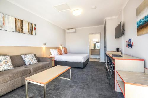 Accommodation in Avalon