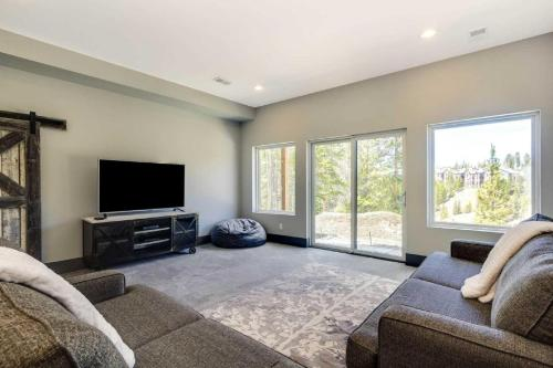 Overlook Clubhouse - Breckenridge, CO 80424