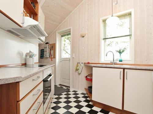 Three-Bedroom Holiday home in Askeby 1 in Askeby