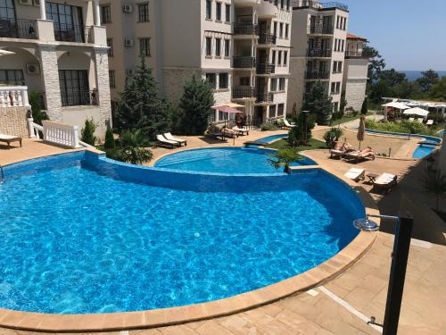 . Pearl Beach Apartments in the Cliff Resort