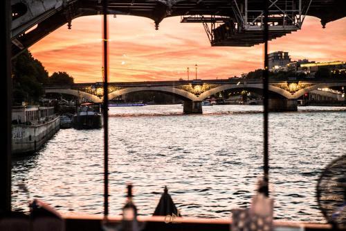 Hotel OFF Paris Seine photo 33