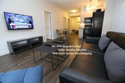 Ramada by Wyndham Fort McMurray - Fort McMurray, AB T9H 0G1