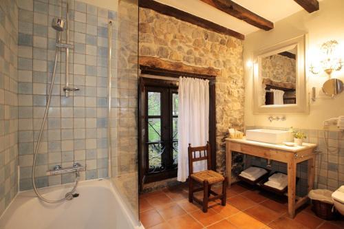 Habitación Doble Hotel Casona de Quintana 15