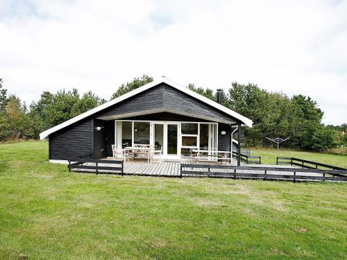Three-Bedroom Holiday home in Storvorde 5 in Skelby