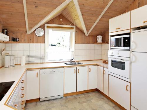 Three-Bedroom Holiday home in Hemmet 19 in Falen