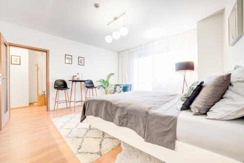 RoomCity Awakeon Apartments