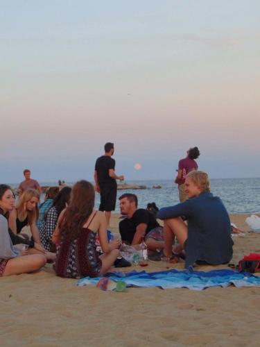 Amistat Beach Hostel Barcelona photo 53