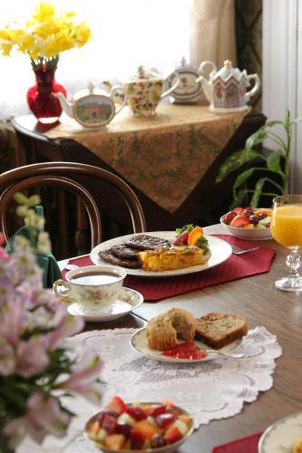 The Queen Victoria Bed & Breakfast - Cape May, NJ 08204