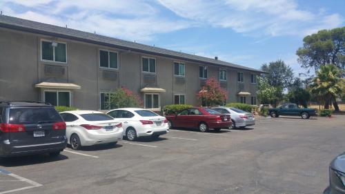 Super 8 By Wyndham Sacramento North - Sacramento, CA 95842