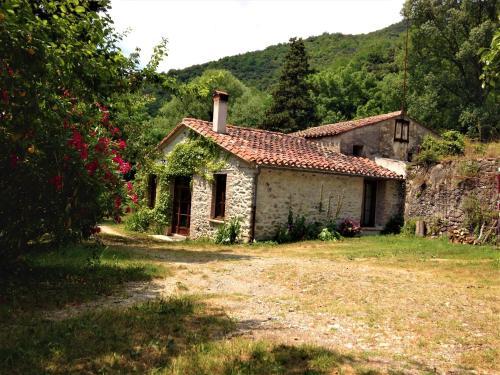 Accommodation in Montferrer