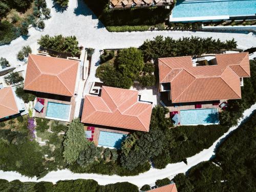Emblisi Bay 280 84, Fiskardo, Kefalonia, Greece.