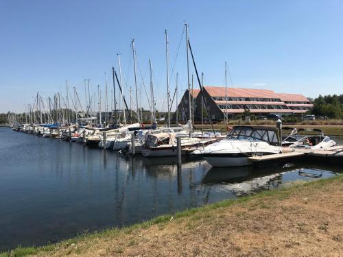 . Bruinisse Harbour Apartments