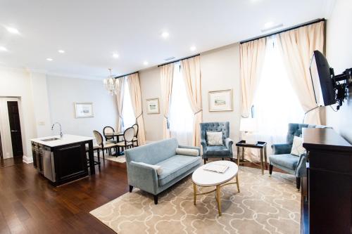 Sydney Boutique Inn & Suites - Photo 2 of 62