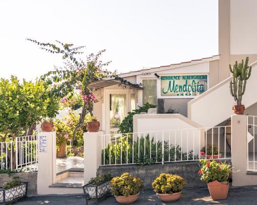 . Hotel Residence Mendolita
