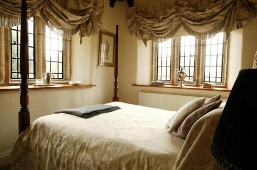 Lewtrenchard Manor Lewdown, Okehampton, Devon, EX20 4PN.
