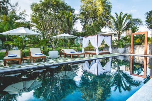 . Sahaa Beach Resort
