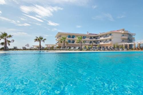 . King Maron Wellness Beach Hotel