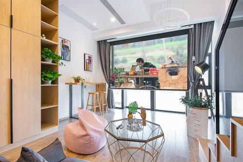 . Hangzhou Loft Apartment near West Lake