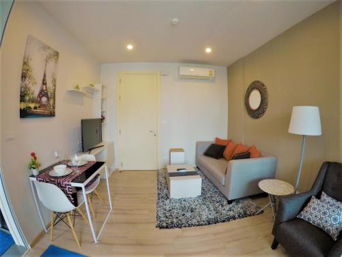 Cozy Oasis Condo in Phuket town- Pool view By PP Cozy Oasis Condo in Phuket town- Pool view By PP