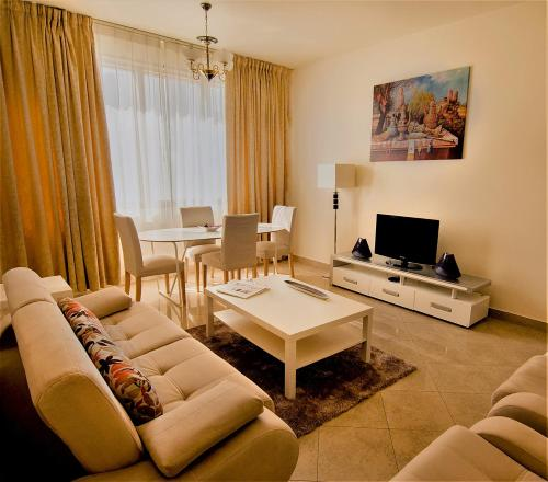 Abu Dhabi Plaza Hotel Apartments photo 33
