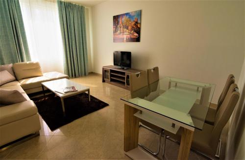 Abu Dhabi Plaza Hotel Apartments photo 66